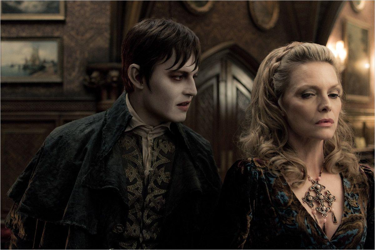 Dark Shadows - photo Johnny Depp, Michelle Pfeiffer, Tim Burton movie