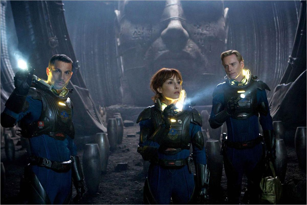 Prometheus - photo Logan Marshall-Green, Michael Fassbender, Noomi Rapace, Ridley Scott