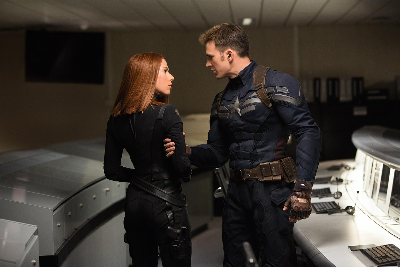 Captain America, le soldat de l'hiver - Photo Chris Evans, Scarlett Johansson
