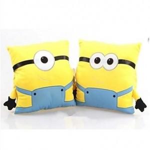 Oreillers Pillow Minions Moi Moche et Mechant